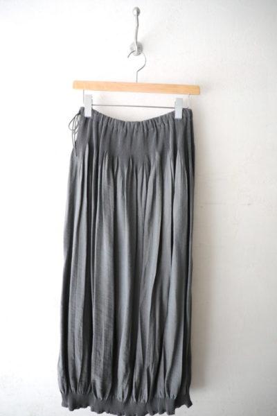 裾シャーリングドーラスカート